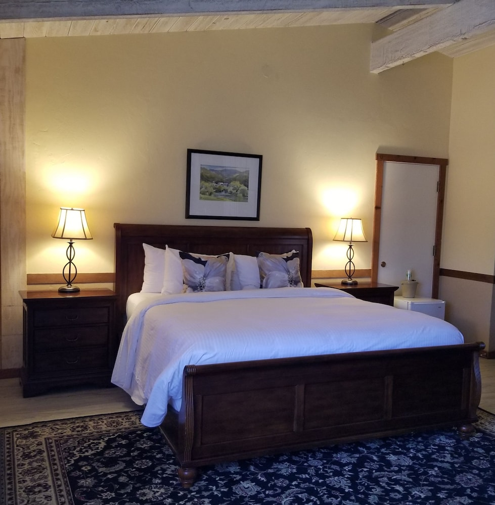 Room, Carmel Valley Lodge and Resort