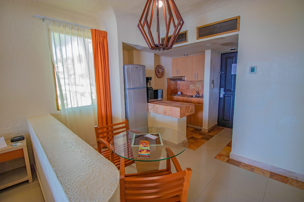 Private Kitchen, Luna Palace Hotel and Suites