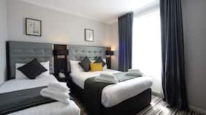 Select Comfort-senge, pengeskab, skrivebord, lydisolering