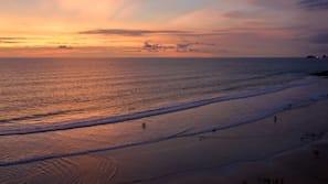 Ubicación a pie de playa, surf y vela