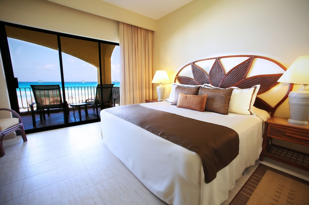 Room, The Royal Caribbean - An All Suites Resort