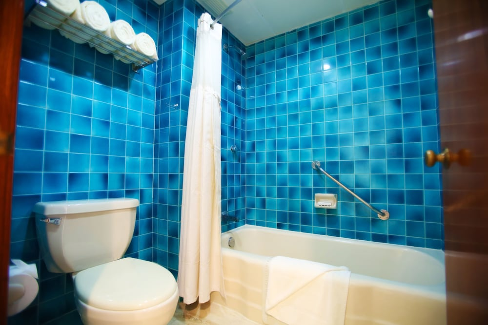 Bathroom, The Royal Caribbean - An All Suites Resort