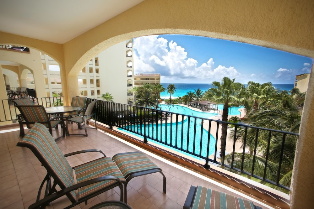 Balcony, The Royal Caribbean - An All Suites Resort