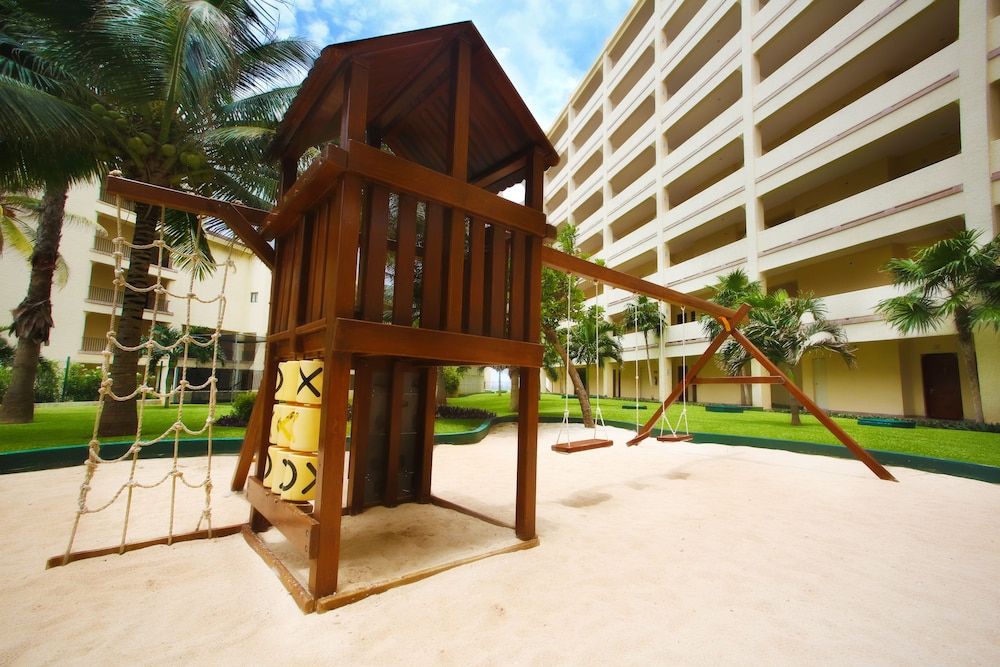 Children's Play Area - Outdoor, The Royal Caribbean - An All Suites Resort