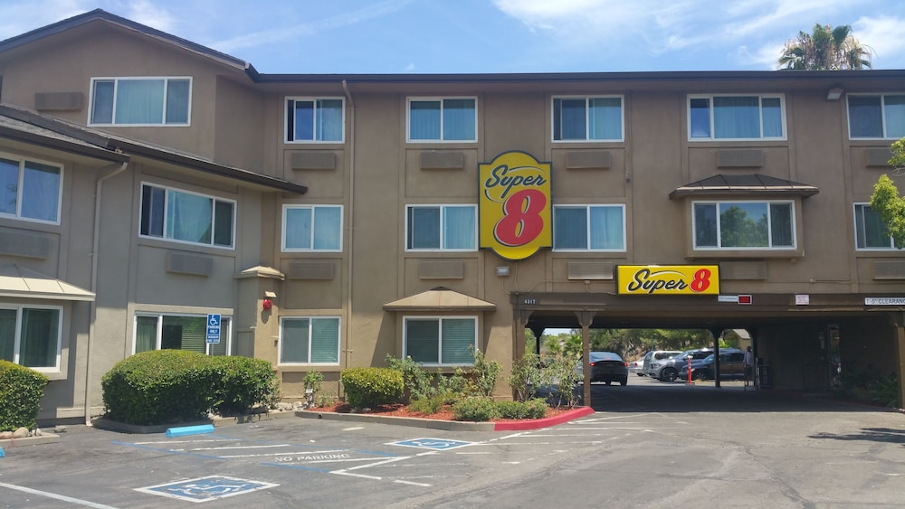 Front of Property, Super 8 by Wyndham Sacramento North