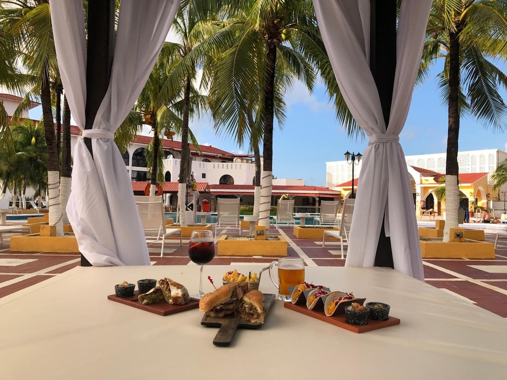 Restaurant, Cozumel Hotel & Resort, Trademark Collection by Wyndham