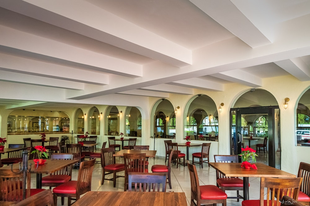 Breakfast Area, Cozumel Hotel & Resort, Trademark Collection by Wyndham
