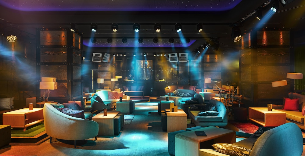 Nightclub, Puente Romano Beach Resort