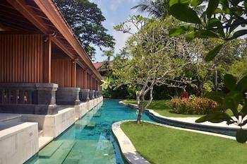 Nusa Dua Beach Hotel Spa Reviews Photos Rates Ebookers Com