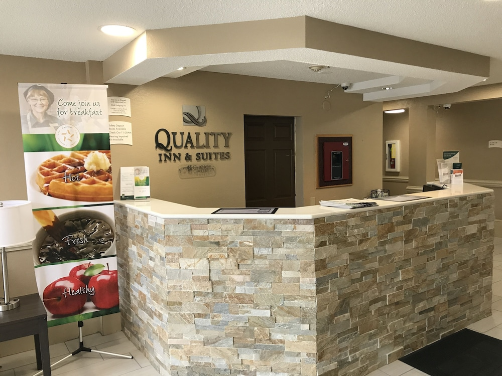 Reception, Quality Inn & Suites Maggie Valley - Cherokee Area