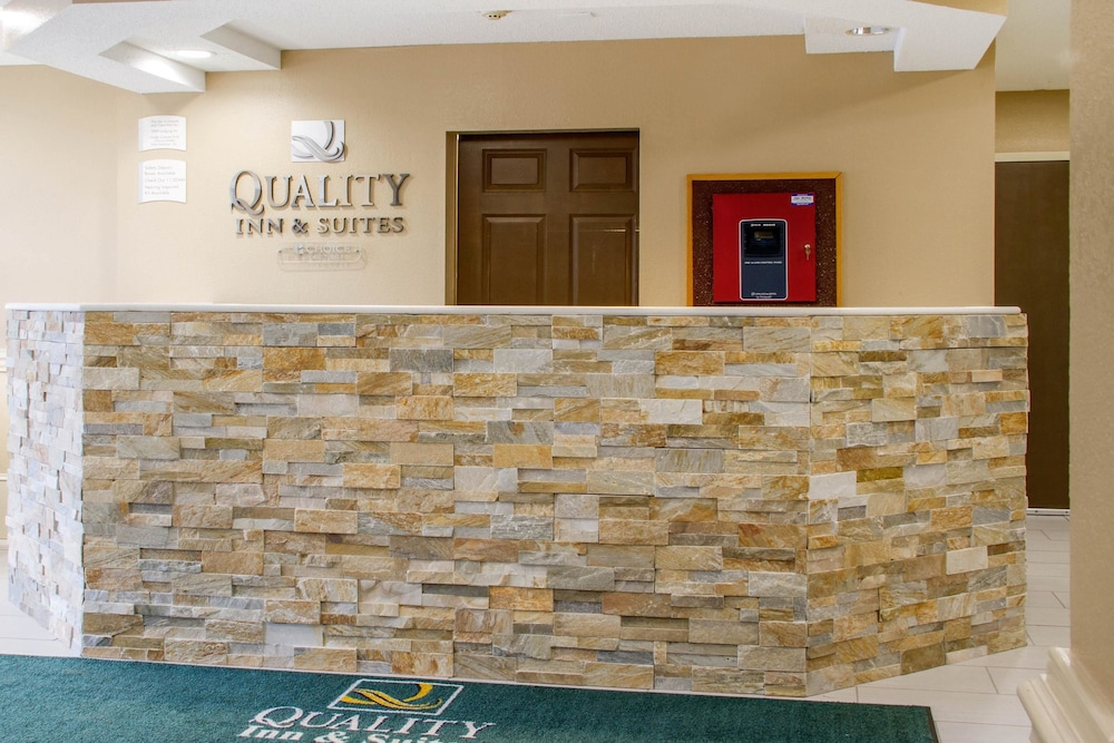 Lobby, Quality Inn & Suites Maggie Valley - Cherokee Area