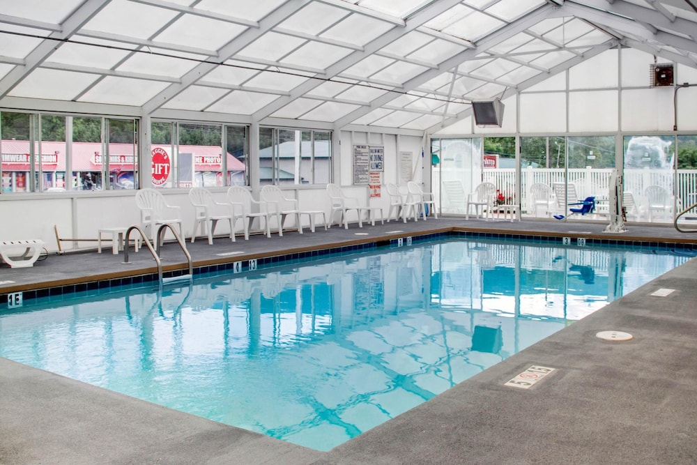 Pool, Quality Inn & Suites Maggie Valley - Cherokee Area
