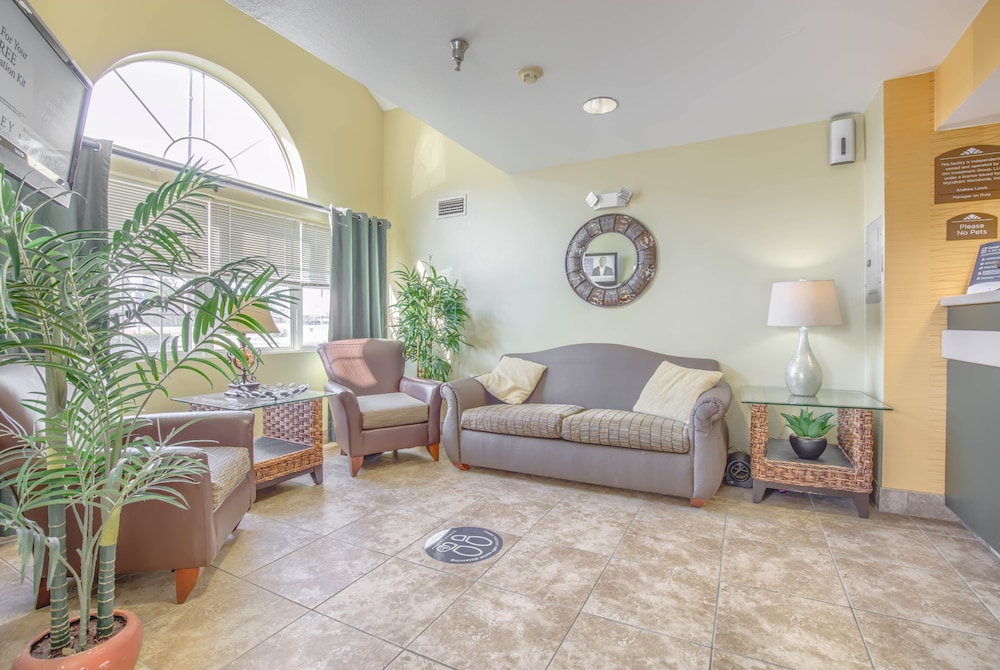 Lobby, Microtel Inn & Suites by Wyndham Gulf Shores