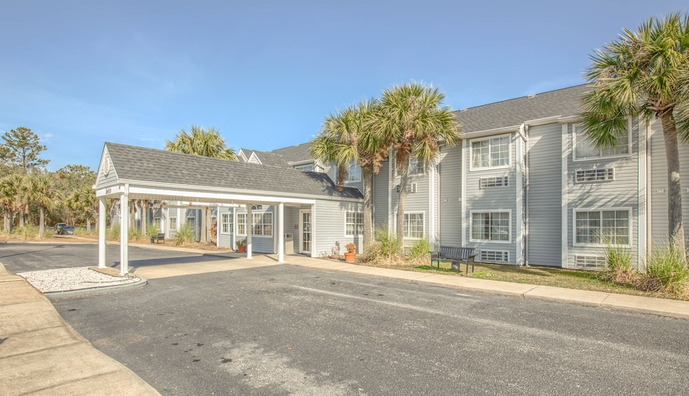 Front of Property, Microtel Inn & Suites by Wyndham Gulf Shores