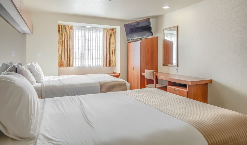 Room, Microtel Inn & Suites by Wyndham Gulf Shores