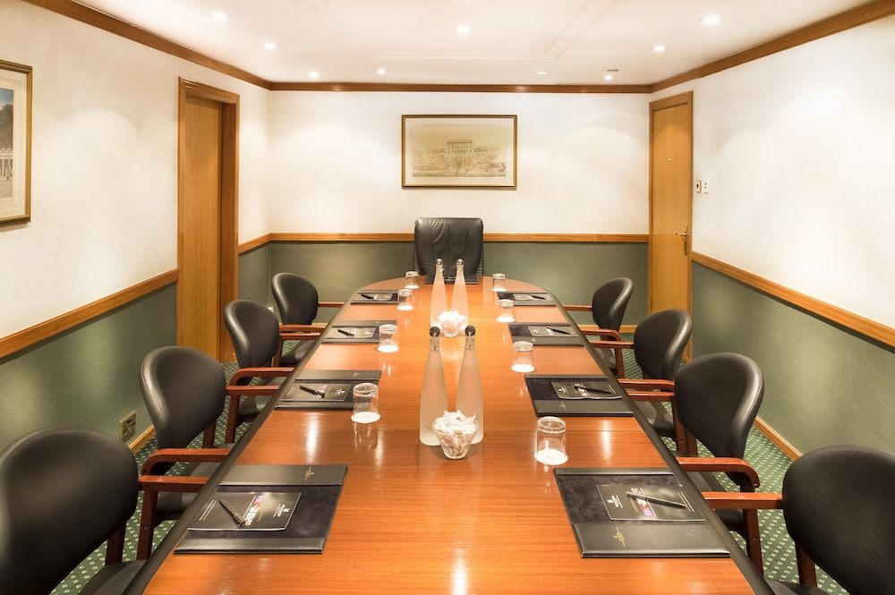 Meeting Facility, Millennium Gloucester Hotel London Kensington