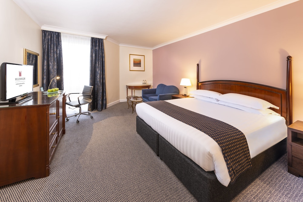 Room, Millennium Gloucester Hotel London Kensington