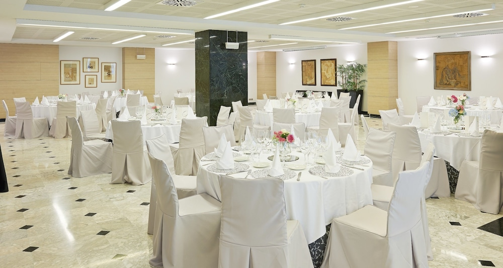 Banquet Hall, NH Collection Villa de Bilbao