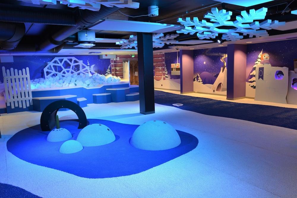 Espace pour les enfants levi hotel spa