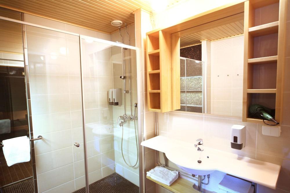 Salle de bain levi hotel spa