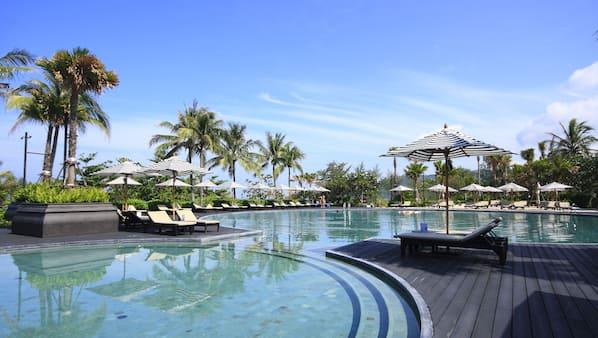 5 buitenzwembaden, gratis zwembadcabana's, parasols voor strand/zwembad