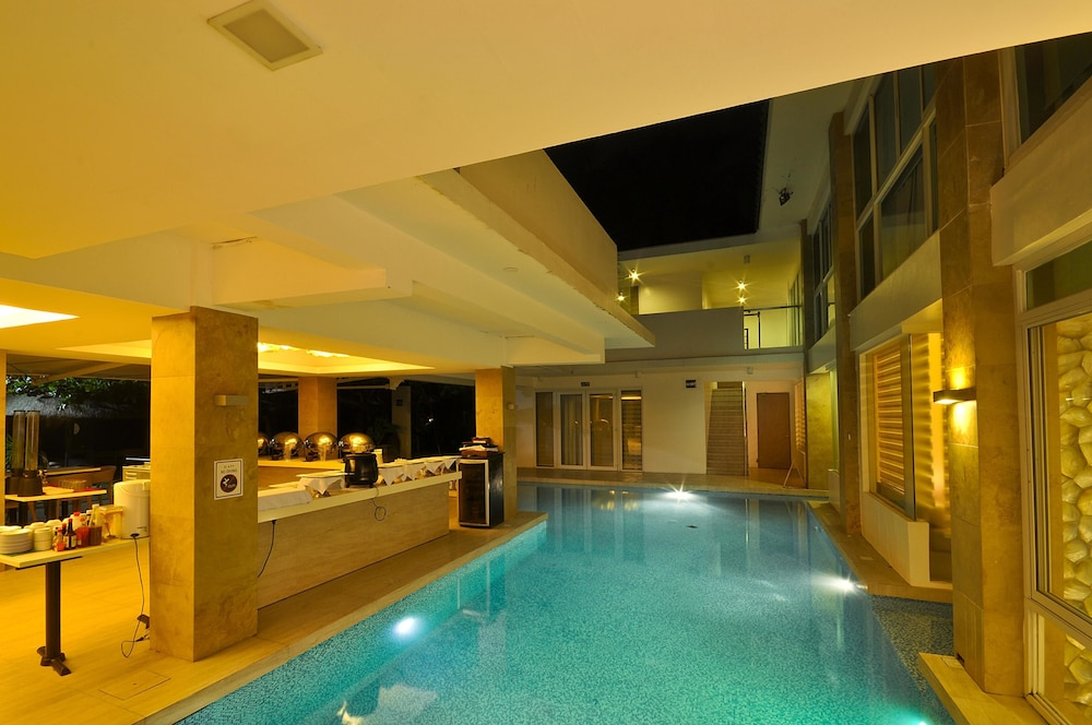 Indoor/Outdoor Pool, Estacio Uno Lifestyle Resort