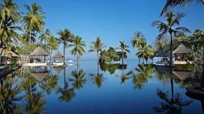 Private beach nearby, white sand, free beach cabanas, sun-loungers