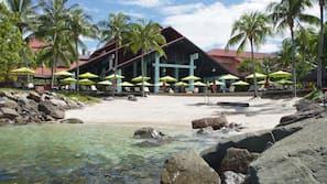 Private beach, beach shuttle, sun-loungers, beach umbrellas