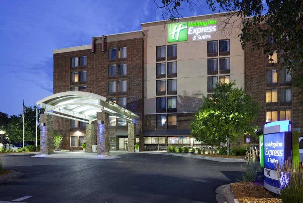 Exterior, Holiday Inn Express & Suites Bloomington - MPLS Arpt Area W
