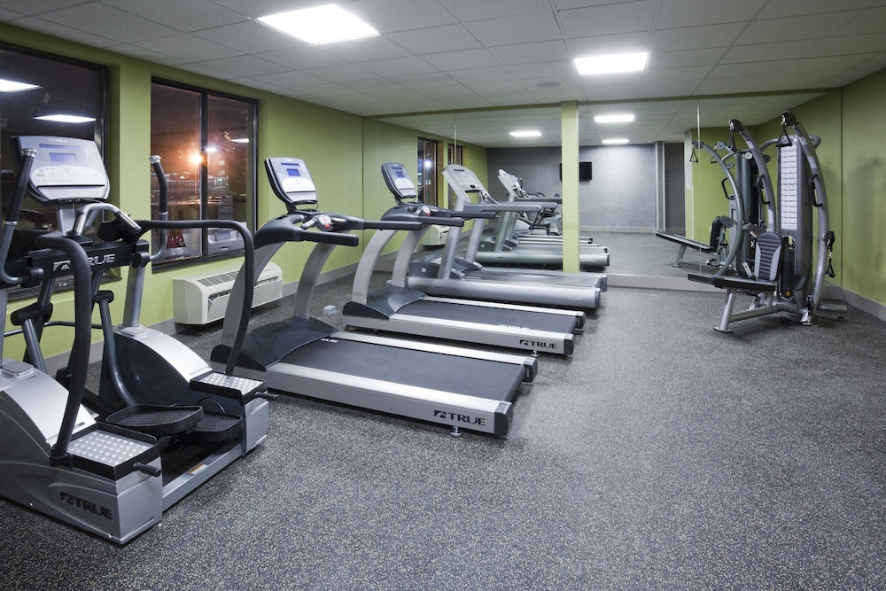 Fitness Facility, Holiday Inn Express & Suites Bloomington - MPLS Arpt Area W