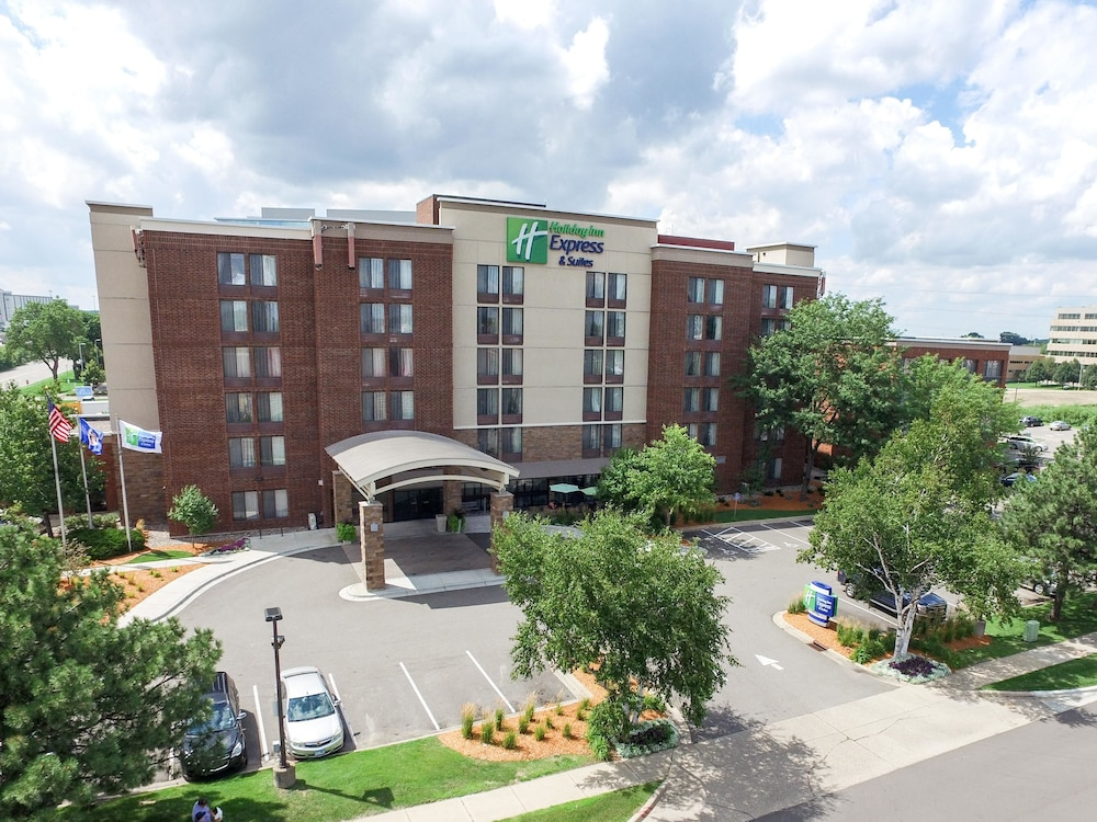 Aerial View, Holiday Inn Express & Suites Bloomington - MPLS Arpt Area W