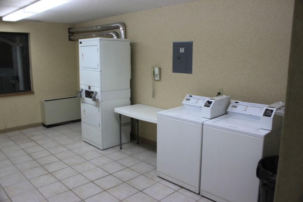 Laundry Room, Baymont by Wyndham Shakopee