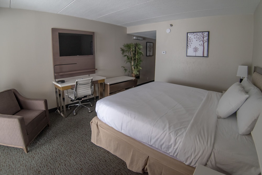 Room, Baymont by Wyndham Shakopee