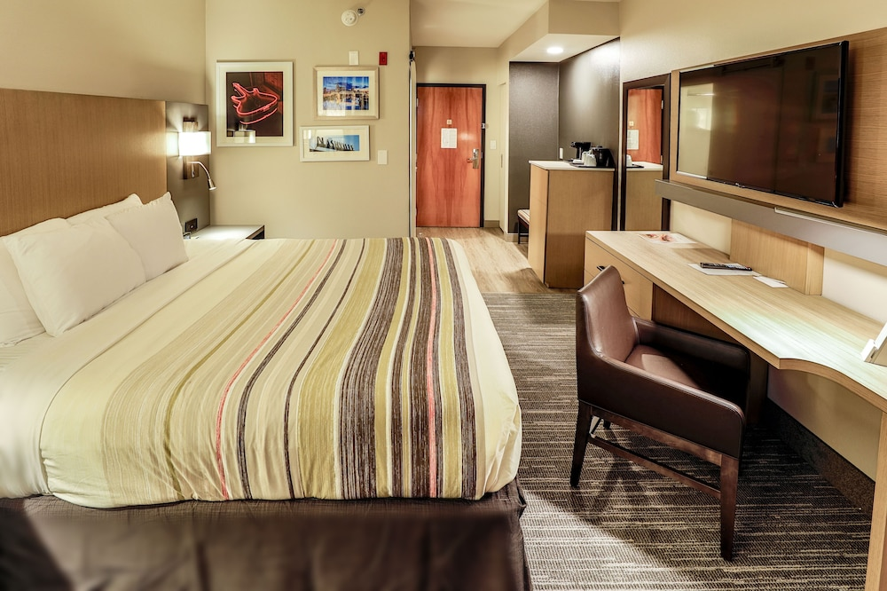Room, Country Inn & Suites by Radisson, Nashville Airport, TN