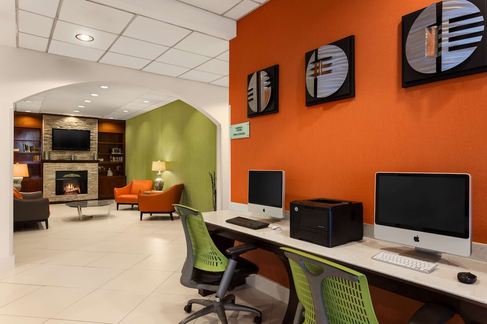 Business Center, Country Inn & Suites by Radisson, Nashville Airport, TN
