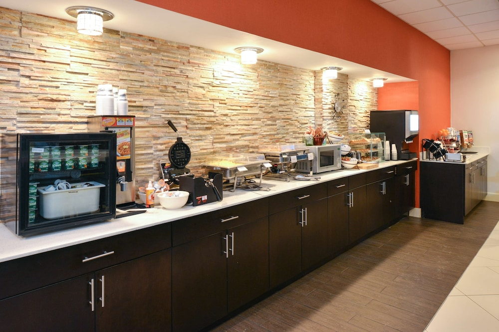 Breakfast Area, Country Inn & Suites by Radisson, Nashville Airport, TN