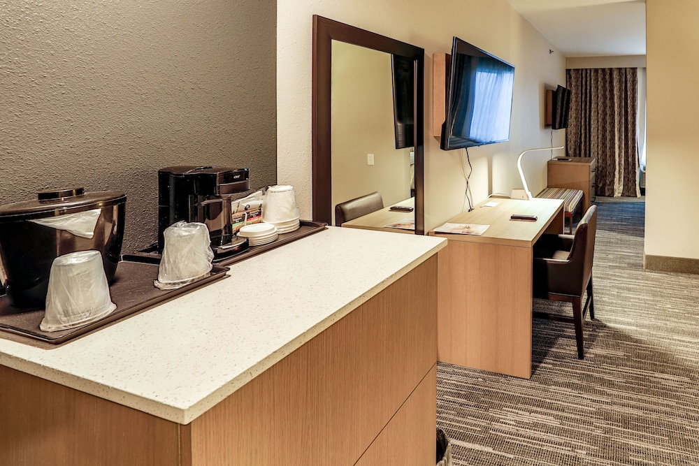 Living Room, Country Inn & Suites by Radisson, Nashville Airport, TN