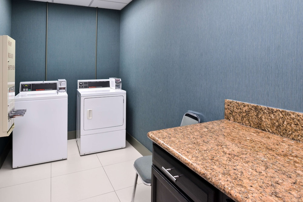 Laundry Room, Country Inn & Suites by Radisson, Nashville Airport, TN