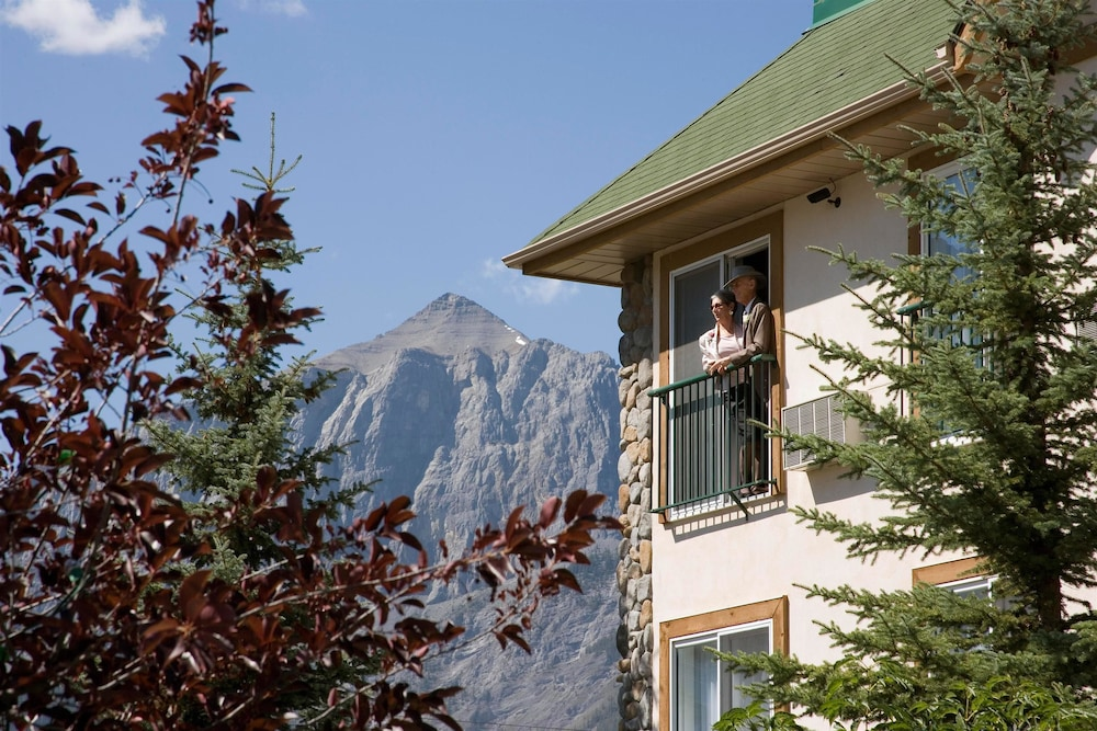 Exterior, Coast Canmore Hotel & Conference Centre