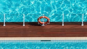 2 outdoor pools, open 6:00 AM to 6:00 PM, free pool cabanas