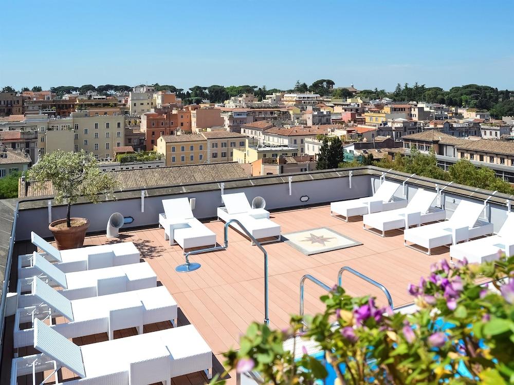 Mercure roma centro colosseo rome ita expedia for Hotel roma centro economici