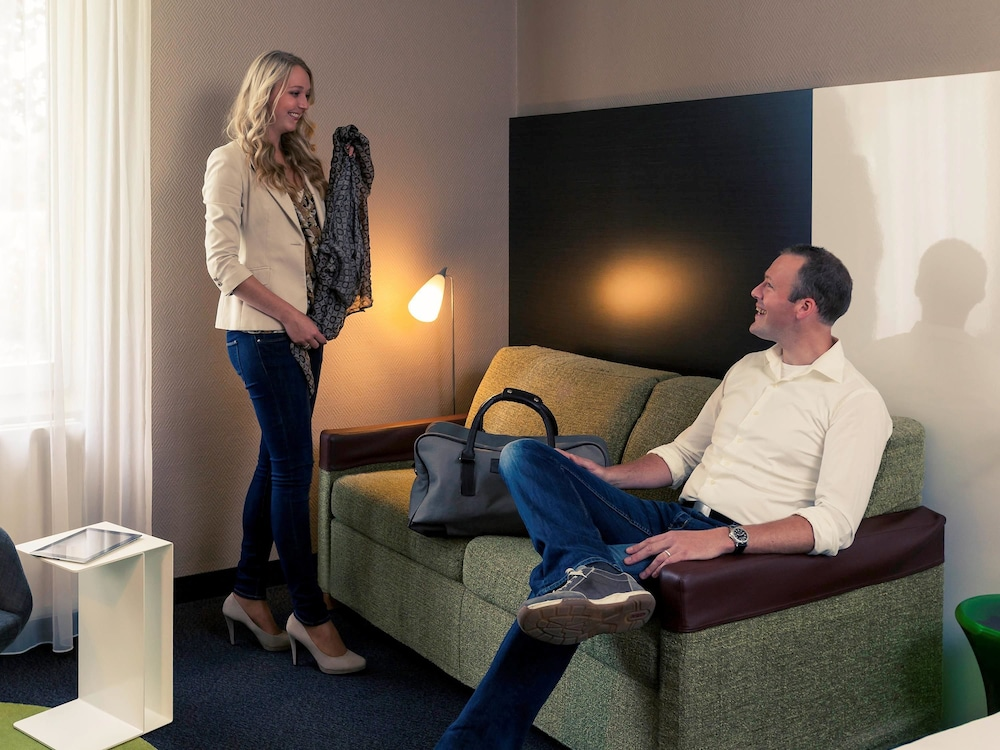 Mercure hotel zwolle zwolle reviews photos rates for Living room zwolle