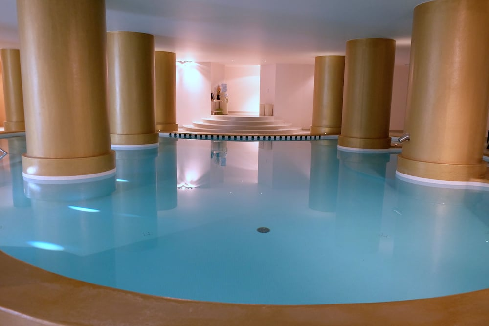 Indoor Pool, Axis Vermar Conference & Beach Hotel