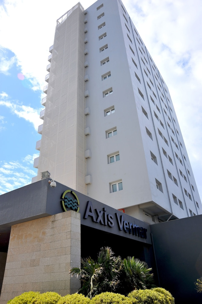 Front of Property, Axis Vermar Conference & Beach Hotel