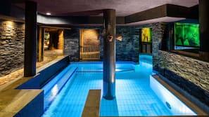 4 indendørs pools, udendørs pool