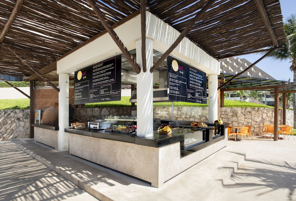 Snack Bar, Paradisus by Melia Cancun - All Inclusive