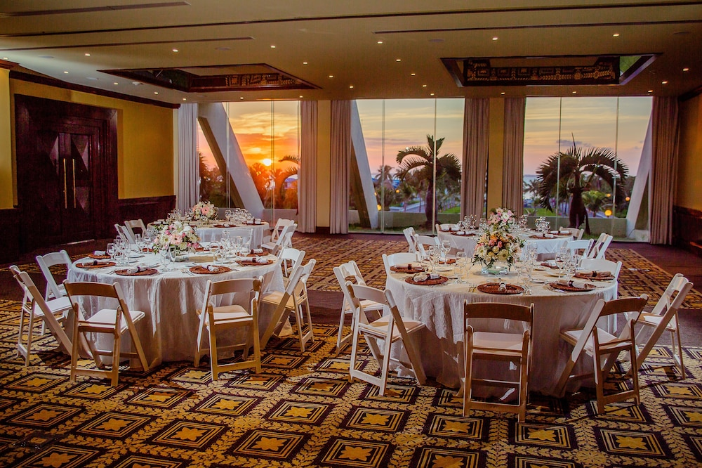 Indoor Wedding, Paradisus by Melia Cancun - All Inclusive