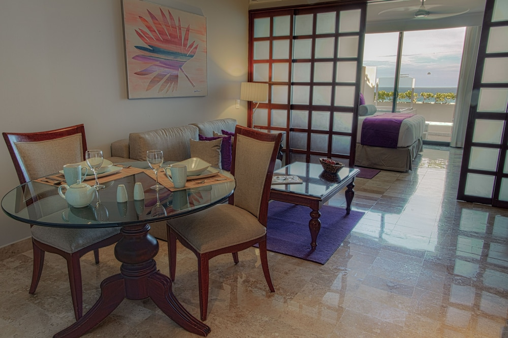 In-Room Dining, Paradisus by Melia Cancun - All Inclusive