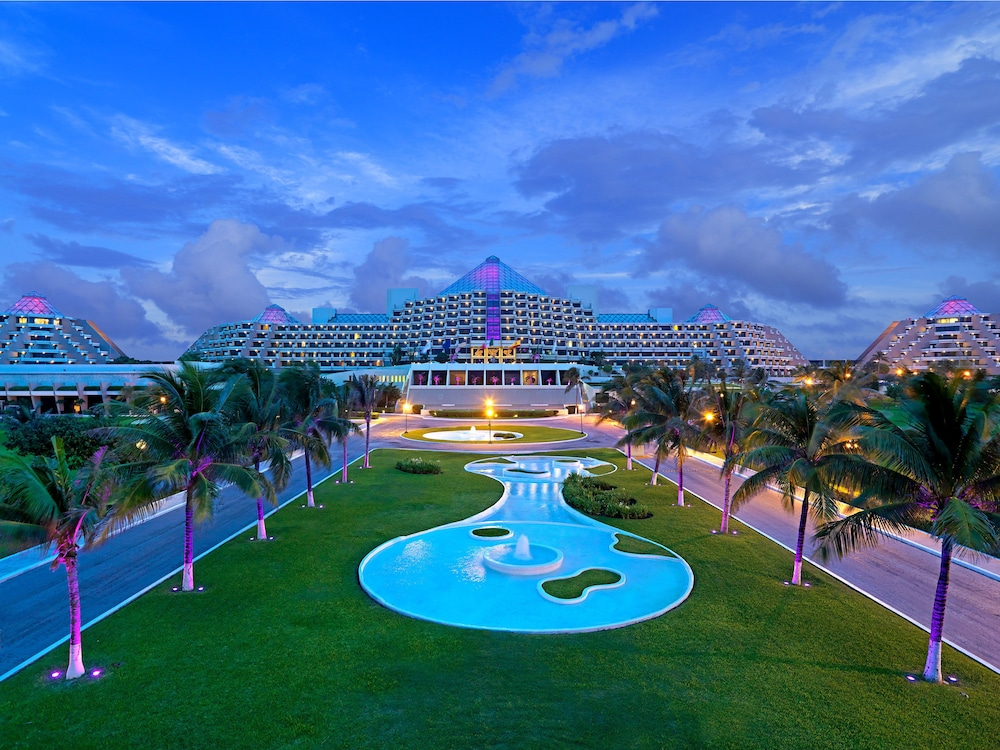 Front of Property - Evening/Night, Paradisus by Melia Cancun - All Inclusive