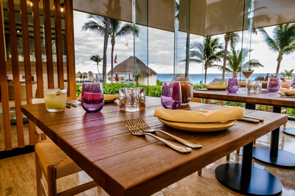 Restaurant, Paradisus by Melia Cancun - All Inclusive